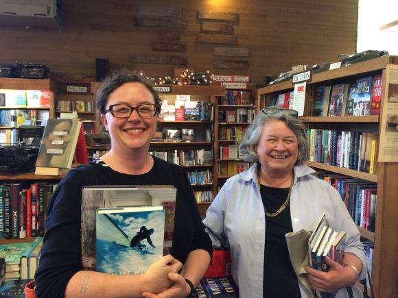 12 Island Books IBD2016